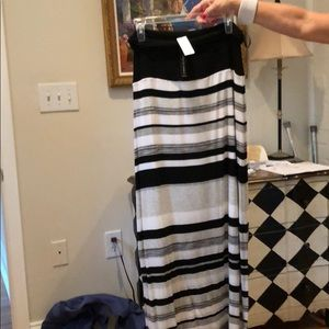 NWT maxi skirt White House M